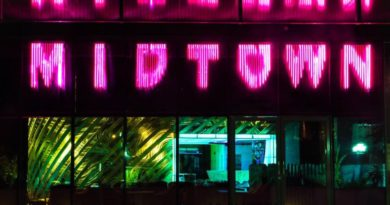 MIDTOWN LOUNGE- PERFECT FOR DINE-OUT & HANG-OUT!
